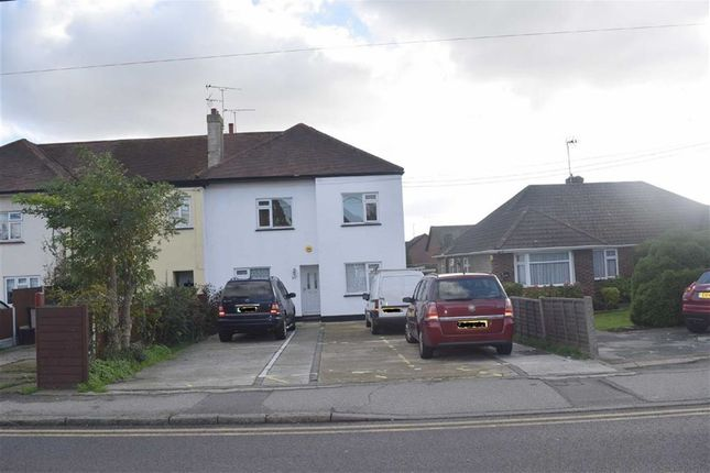 2 bed flat to rent in Hart Road, Benfleet, Essex SS7