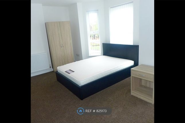 Large Double Room With Kitchenette And En Suite