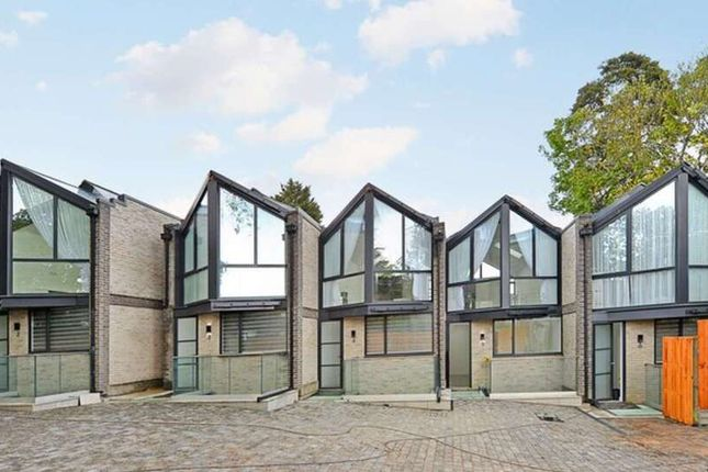 Thumbnail Property to rent in Shanti Close, Enfield