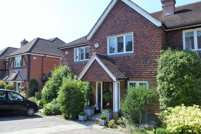 Thumbnail Terraced house to rent in Howberry Chase, Haslemere