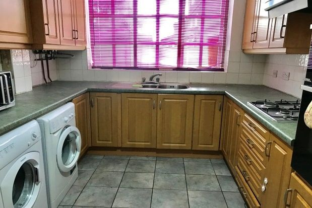 Thumbnail Property to rent in Fountains Road, Bramhall, Stockport