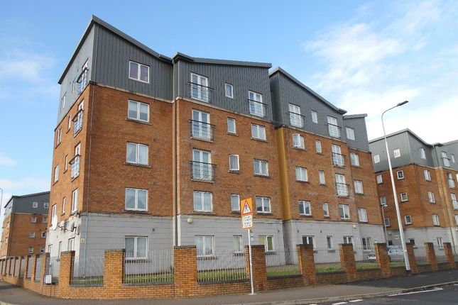Thumbnail Flat to rent in Moorhead Close, Cardiff