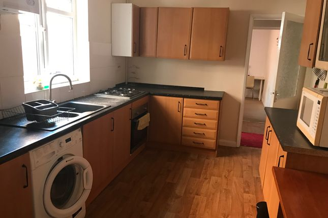 Thumbnail Shared accommodation to rent in Avon Street, Leicester
