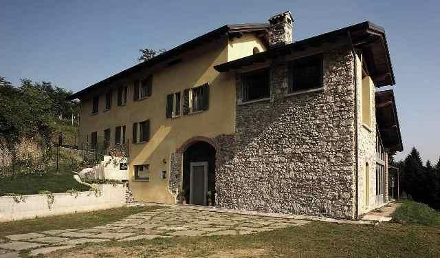 Picture No.02 of Restored 18th Century Farmhouse, Lombardy, Lombardy, Italy