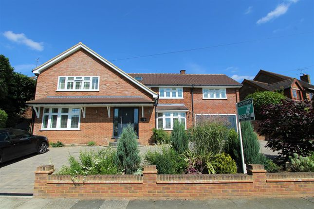 Thumbnail Detached house for sale in Ashtree Way, Hemel Hempstead