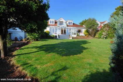 Thumbnail Detached house to rent in Redcliffe Road, Torquay, Devon