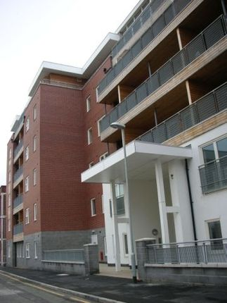 Flat to rent in Northern Angel, Dyche Street, Red Bank