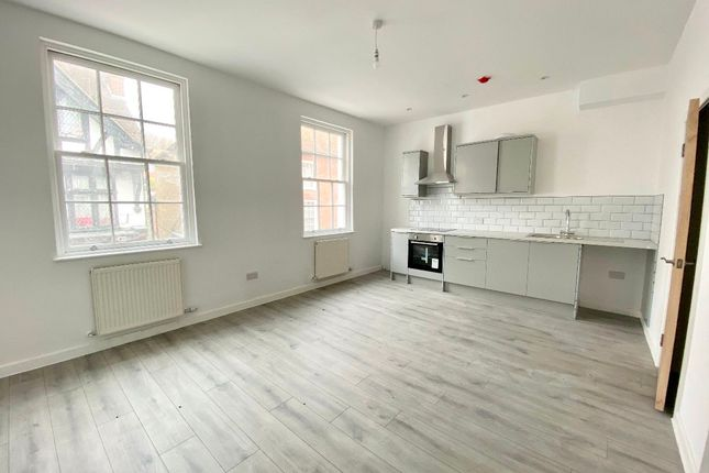 2 bed flat to rent in High Street, Hythe CT21