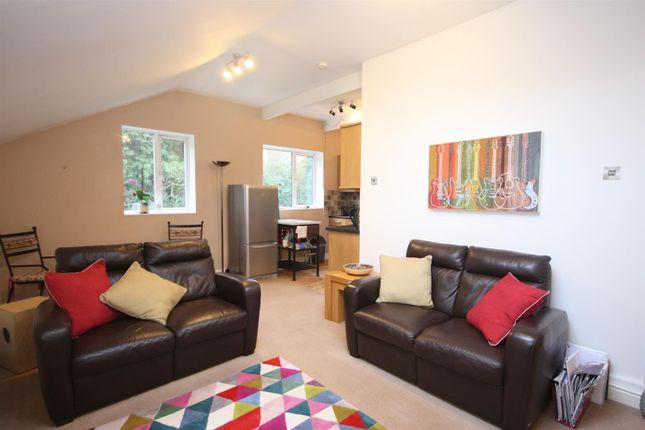 Thumbnail Flat to rent in Knott Lane, Rawdon, Leeds