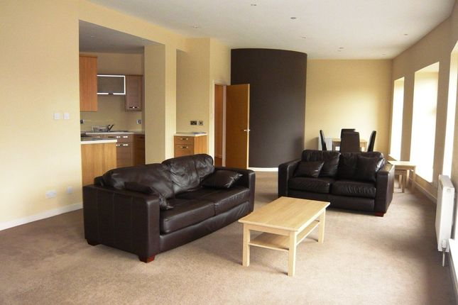 Thumbnail Flat to rent in Bridge Street, Dunfermline