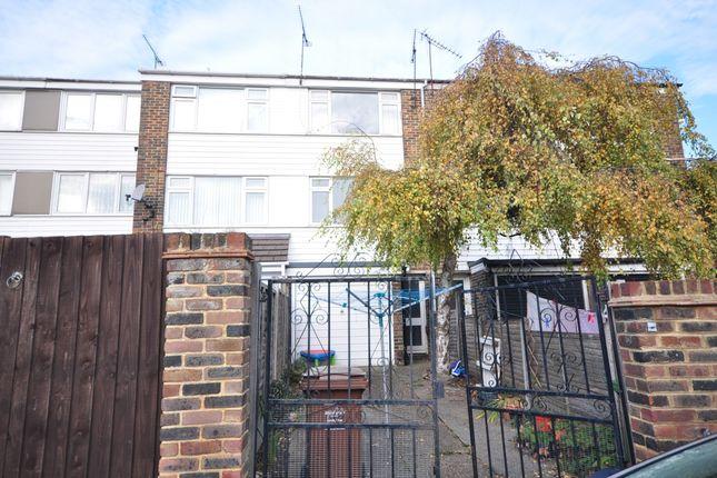 Thumbnail Town house to rent in Church Mews, Rainham, Gillingham