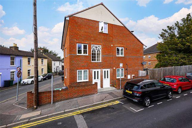 4 bed maisonette for sale in Peel Street, Maidstone, Kent ME14