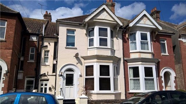 Thumbnail Maisonette to rent in Linden Road, Bexhill-On-Sea