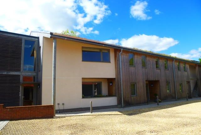 1 bed flat to rent in Great House, Ffordd-Y-Barcer, Cardiff CF5