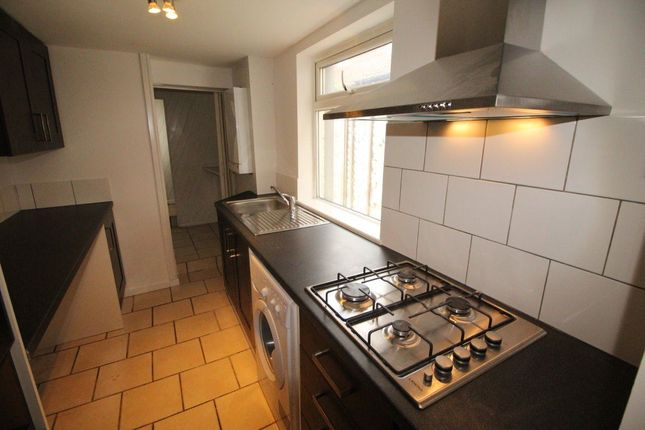 Thumbnail Property to rent in Dumfries Street, Luton