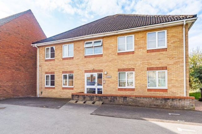 Thumbnail Flat to rent in The Cedars, Lynwood Drive, Andover