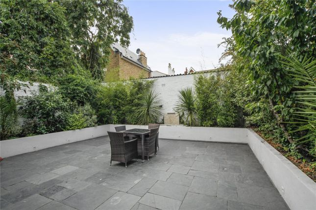 Thumbnail Detached house for sale in Central Richmond, Surrey