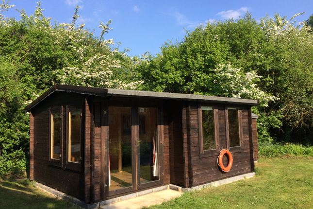 Thumbnail Leisure/hospitality to let in Claydon Park Fishery, Lechlade
