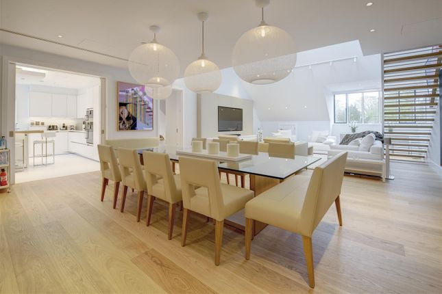 Thumbnail Flat for sale in Buxmead, The Bishops Avenue