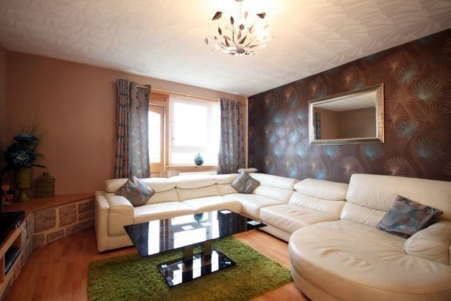 Thumbnail Flat for sale in Overton Mains, Kirkcaldy, Fife
