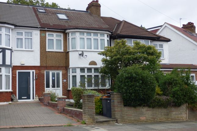 Thumbnail Terraced house for sale in Lakeside Crescent, Barnet
