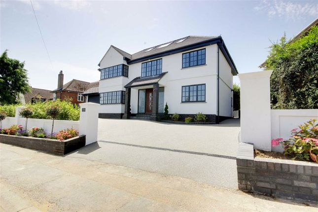 Thumbnail Detached house for sale in Hill Rise, Cuffley, Hertfordshire