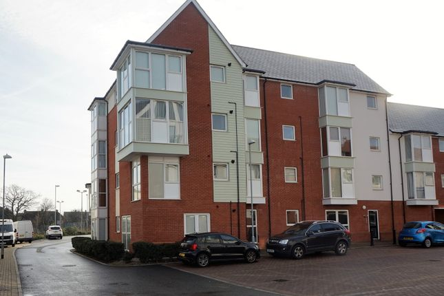 Thumbnail Flat for sale in Tydemans, Chelmsford