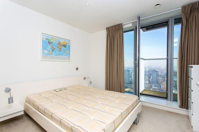 Bedroom of Pan Peninsula Square, East Tower, Canary Wharf E14