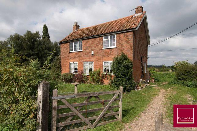 Thumbnail Farmhouse for sale in Hardley Street, Hardley, Norwich