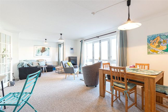 2 bed flat to rent in Portland Court, Baltic Wharf, Bristol BS1