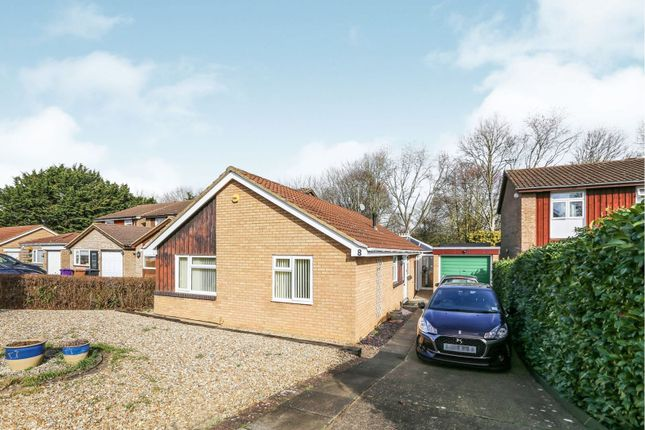 Thumbnail Bungalow for sale in Dents Close, Letchworth Garden City