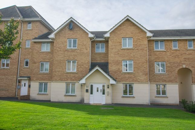 Thumbnail Flat for sale in Lloyd Close, Cheltenham