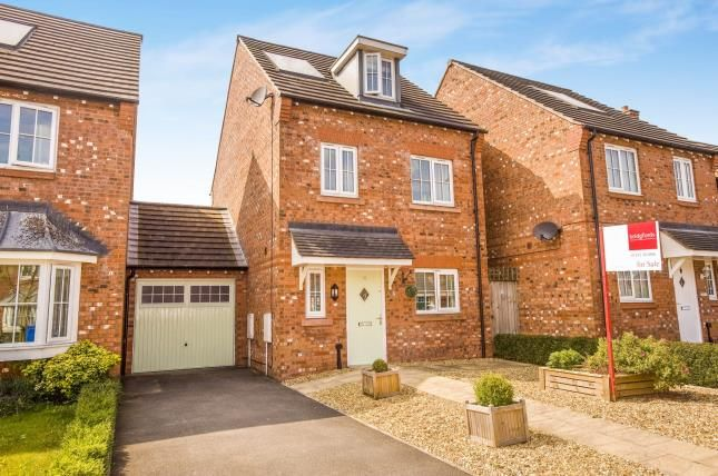 Thumbnail Link-detached house for sale in Meadow Close, Coppull, Chorley, Lancashire