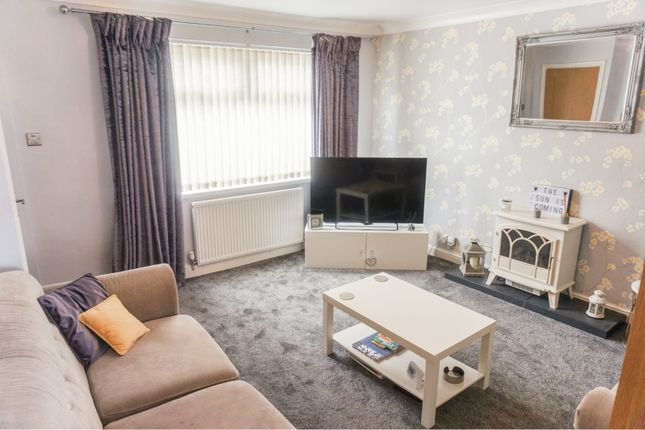 Thumbnail Town house for sale in Helston Road, Leeds
