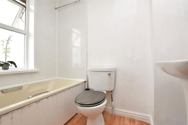 Bathroom of Parc Terrace, Newlyn, Penzance TR18