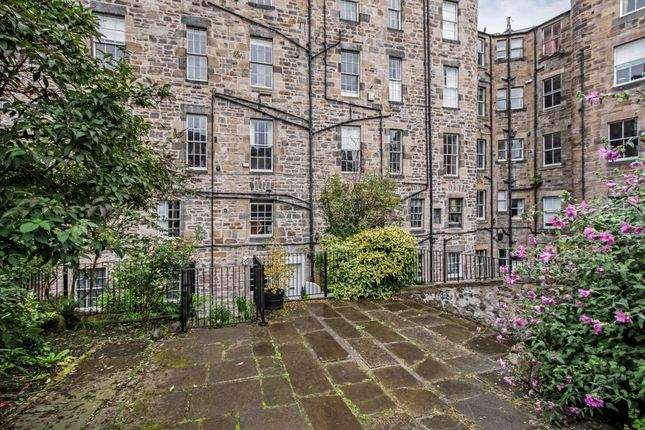 Thumbnail Flat for sale in 16A, West Scotland Street Lane, Edinburgh