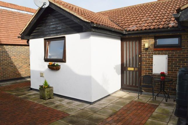 1 bed flat for sale in The Pantiles, Billericay