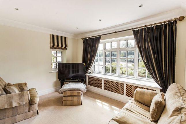 TV Room of Babylon Lane, Lower Kingswood, Tadworth, Surrey KT20