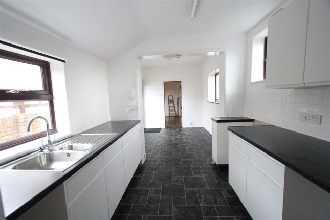 Thumbnail Property to rent in Shakespeare Road, Sittingbourne