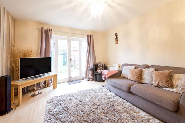 Lounge Close of Pageant Avenue, London NW9