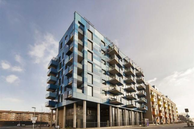 1 bed flat for sale in Central Park, Block E, Greenwich Collection, London