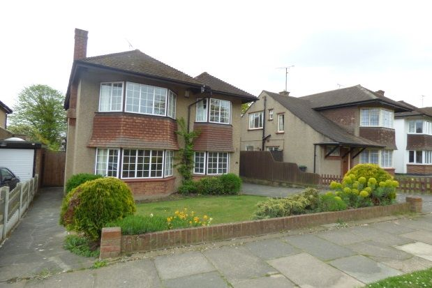 Thumbnail Detached house to rent in Buxton Avenue, Leigh-On-Sea