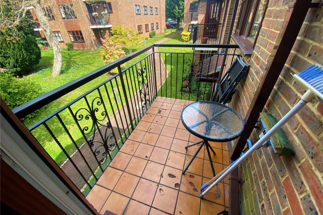 2 bed flat to rent in Balmoral Gardens, Parkhill Road, Bexley DA5
