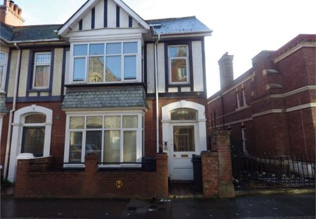 1 bed flat to rent in Victoria Road, Exmouth, Devon. EX8