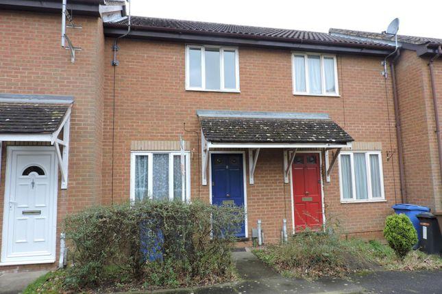 2 bed terraced house to rent in Finbars Walk, Ipswich