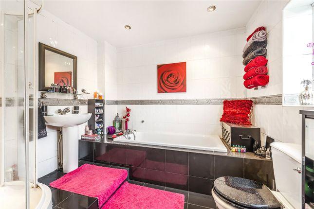 Bathroom: Cr2 of Elmfield Way, Sanderstead CR2