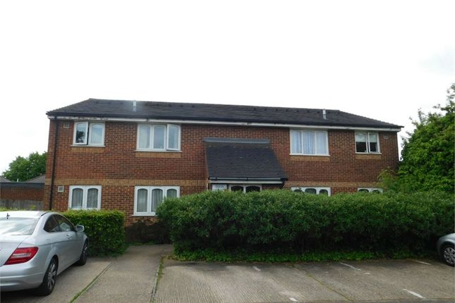 1 bed flat for sale in Chartwell Close, Greenford, Middlesex