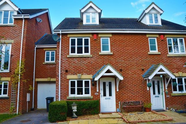 4 bed town house to rent in Rawlings Court, Andover Road, Ludgershall, Andover