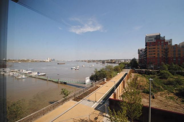Thumbnail Flat to rent in Olympian Way, Barge Walk, North Greenwich, London