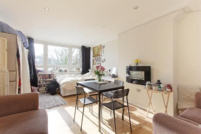 Thumbnail Flat to rent in Lackland House, Rowcross Street, London